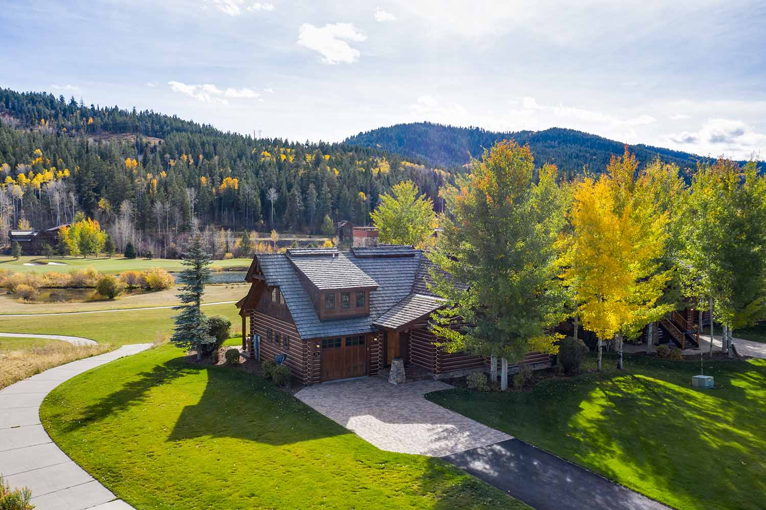 Moose Log Cabin for Rent - Victor Idaho
