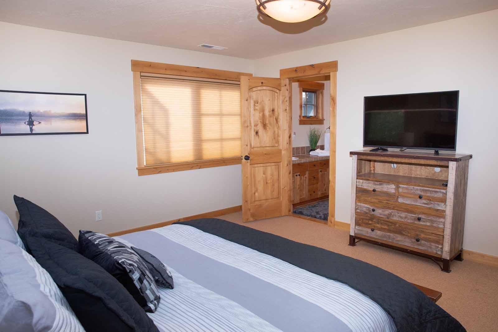 Lazy Bear Den - Mountain Home
